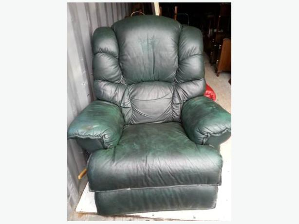 green lazy boy leather recliner chair central nanaimo nanaimo. Black Bedroom Furniture Sets. Home Design Ideas