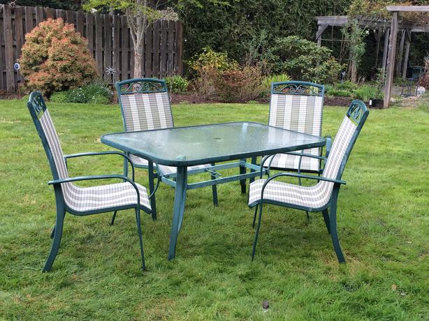 Outdoor Furniture Patio Dining set Duncan Cowichan