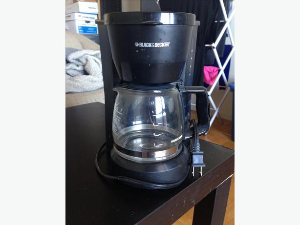 For Sale: Black & Decker 5-Cup Coffee Maker + Delivery Central Ottawa (inside greenbelt), Gatineau
