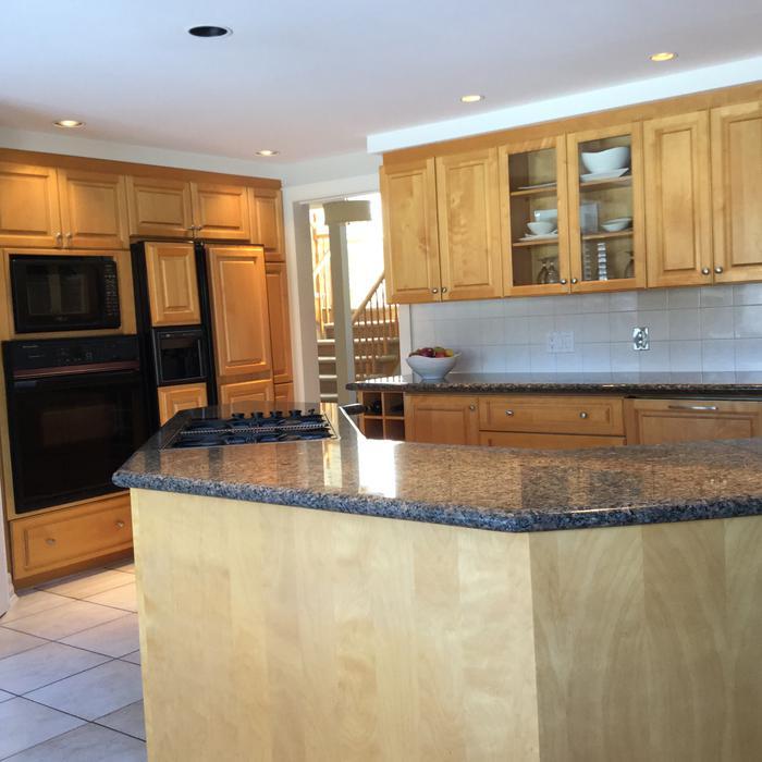 Solid Maple Lauryzen Kitchen + Granite Countertop