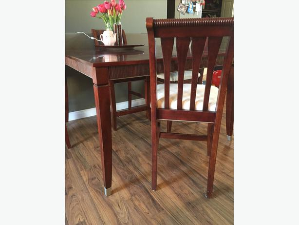 Dark Cherry Wood 10 Peice Dining Kitchen Table Set Rural