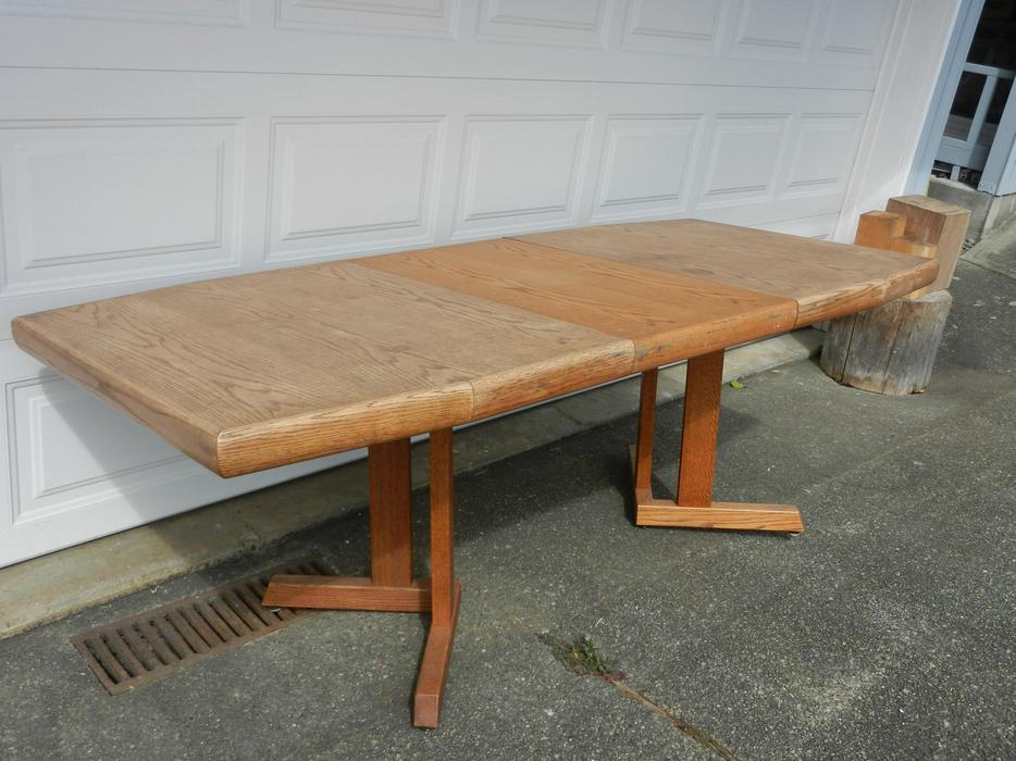 Solid Oak Dining Table Saanich Victoria : 46130053934 from www.usedvictoria.com size 934 x 700 jpeg 88kB