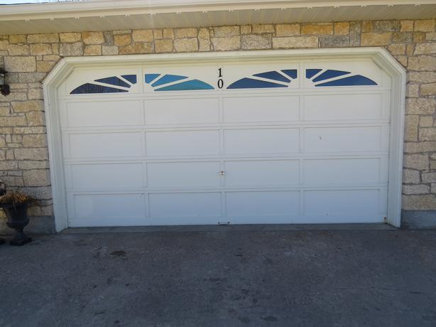 16 x 8 ft wooden garage door east regina regina