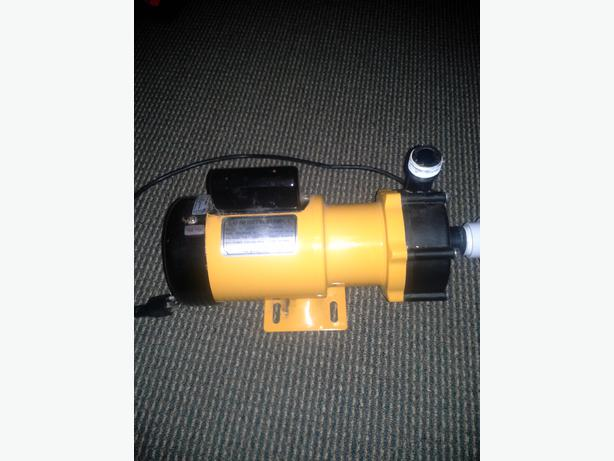 Aquarium or pond pump north nanaimo nanaimo mobile for Used pond filters and pumps