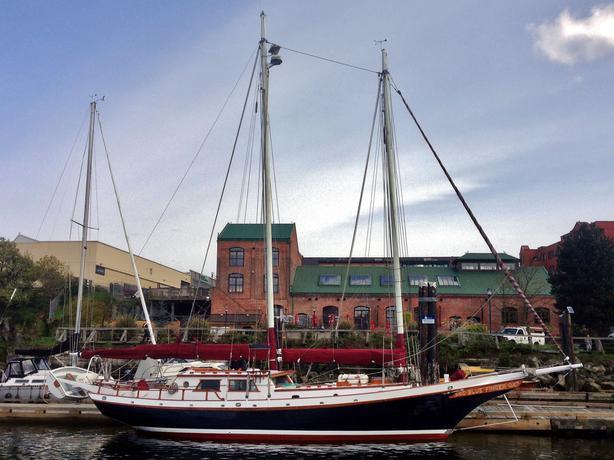 40 39 bill garden walloon schooner outside nanaimo nanaimo for 68 garden design gaff rigged schooner