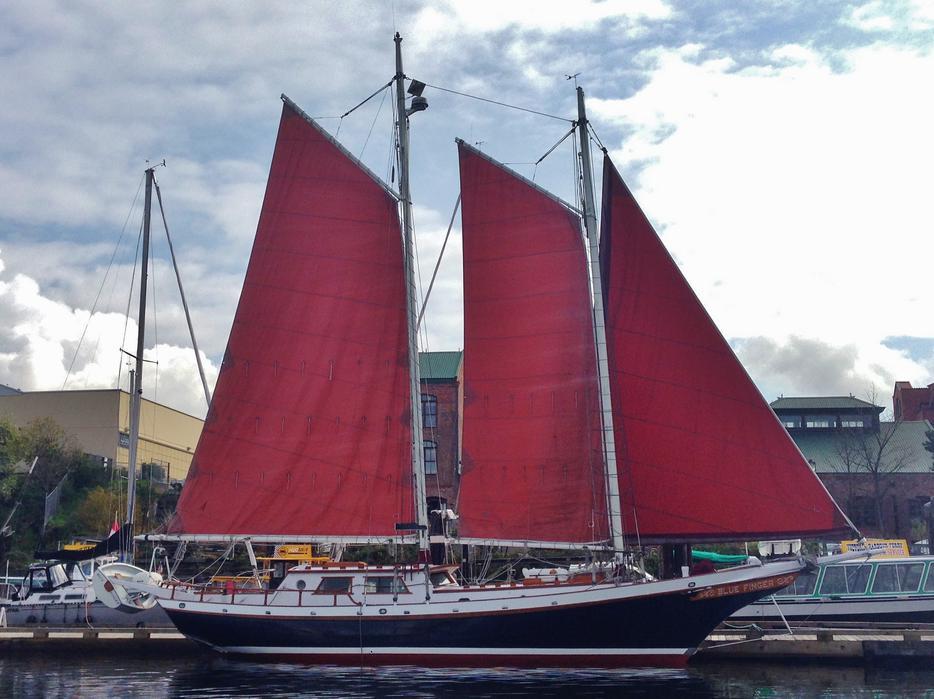 40 39 bill garden walloon schooner outside nanaimo for 68 garden design gaff rigged schooner