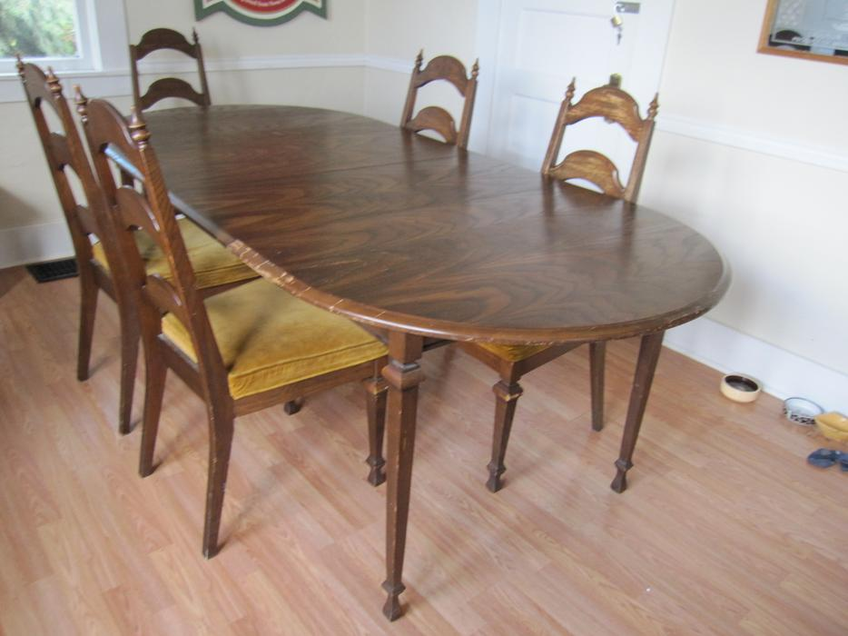 Dining table 5 chairs victoria city victoria mobile for Dining room tables victoria bc