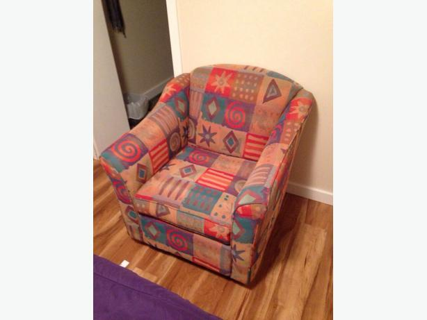 Two matching living room chairs for sale south east calgary for Matching living room chairs