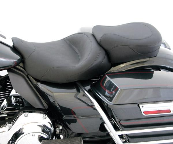 Mustang Wide Vintage Touring Seat