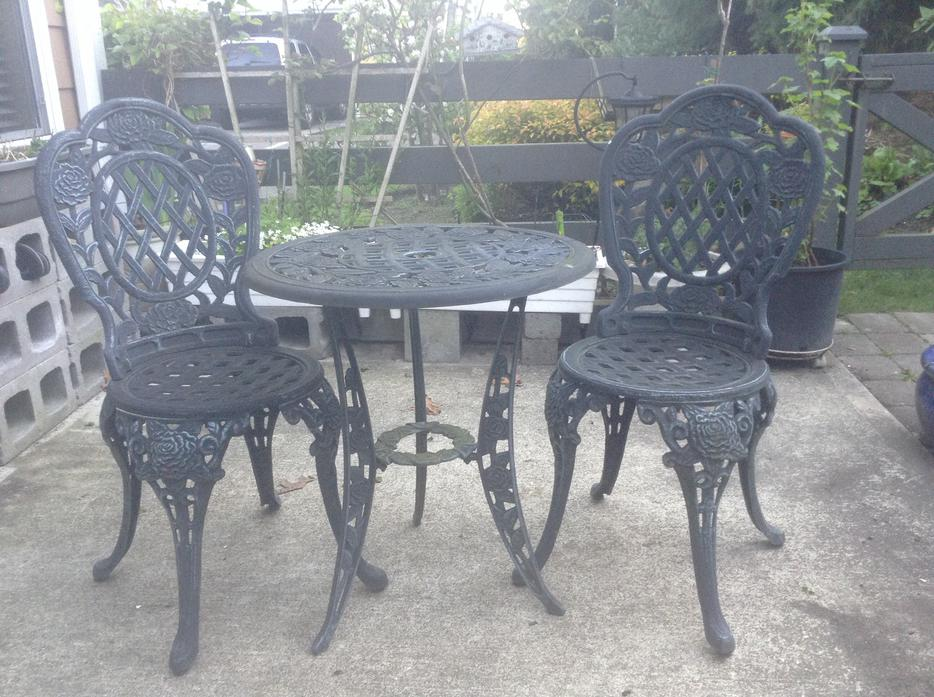Cast Iron Garden Patio Table Amp Chairs Surrey Incl White
