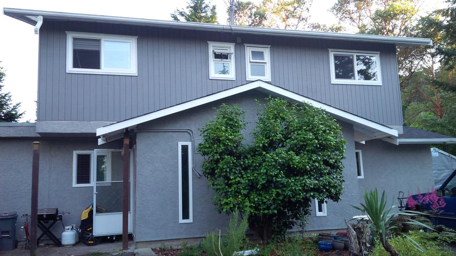 Modern Half Duplex With Two Living Rooms Esquimalt Amp View
