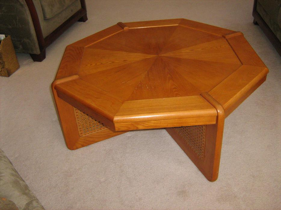 Coffee table sklar peplar gloucester ottawa mobile for Coffee tables london ontario
