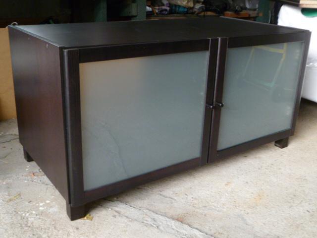 ikea benno black brown tv stand central ottawa inside greenbelt ottawa. Black Bedroom Furniture Sets. Home Design Ideas