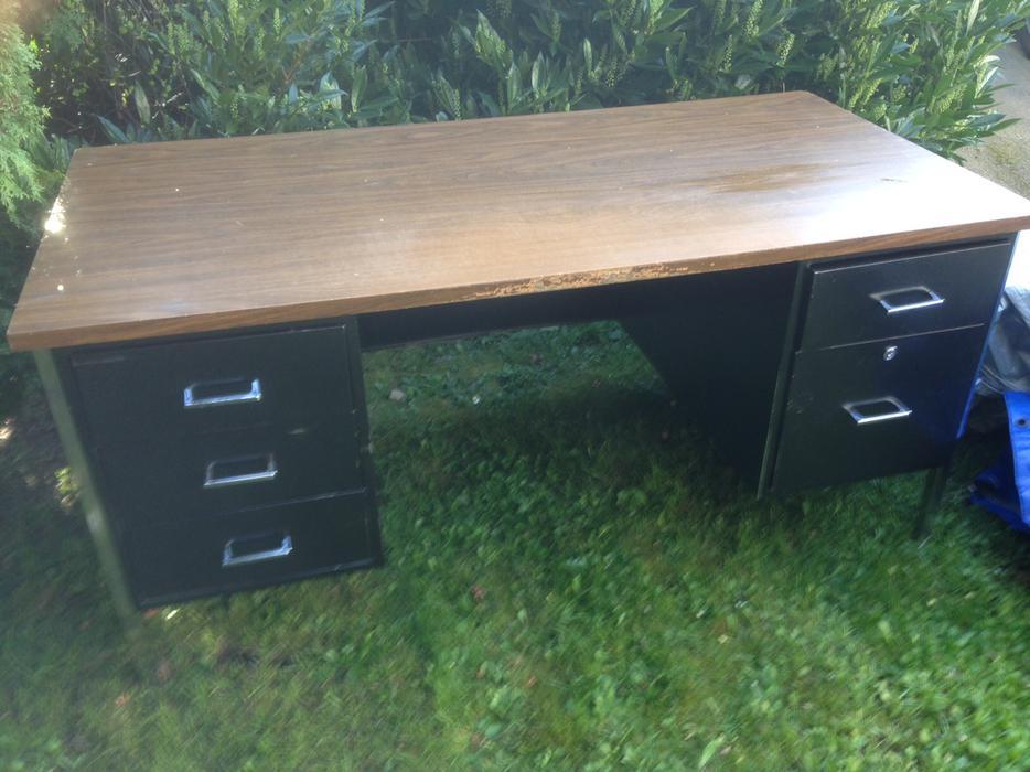 Free Office Desk Saanich Victoria Mobile