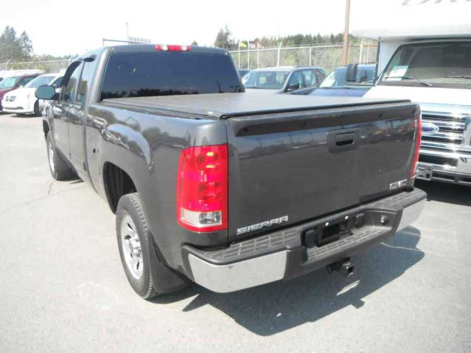 2011 gmc sierra 1500 outside okanagan okanagan mobile. Black Bedroom Furniture Sets. Home Design Ideas