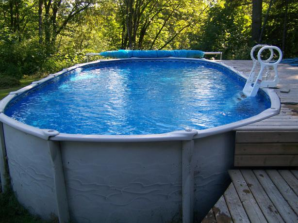 15 X 30 Above Ground Swimming Pool Outside Nanaimo Parksville Qualicum Beach Mobile
