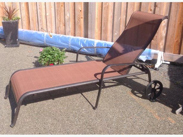 Wanted chaise lounge with wheels from costco malahat for Chaise lounge costco