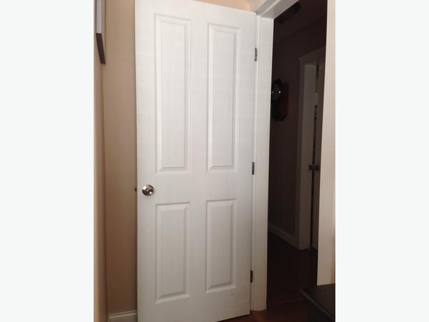 comes with door knob in good cond wood grain finish painted white. Black Bedroom Furniture Sets. Home Design Ideas