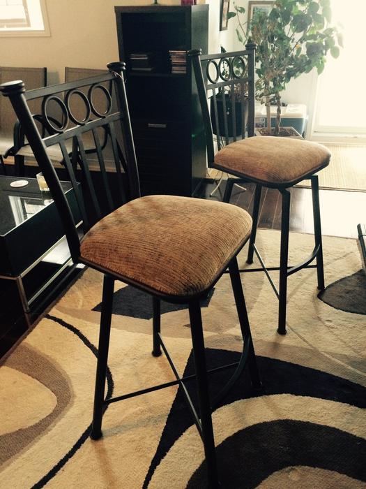 2 bar stools for sale gatineau sector quebec ottawa. Black Bedroom Furniture Sets. Home Design Ideas