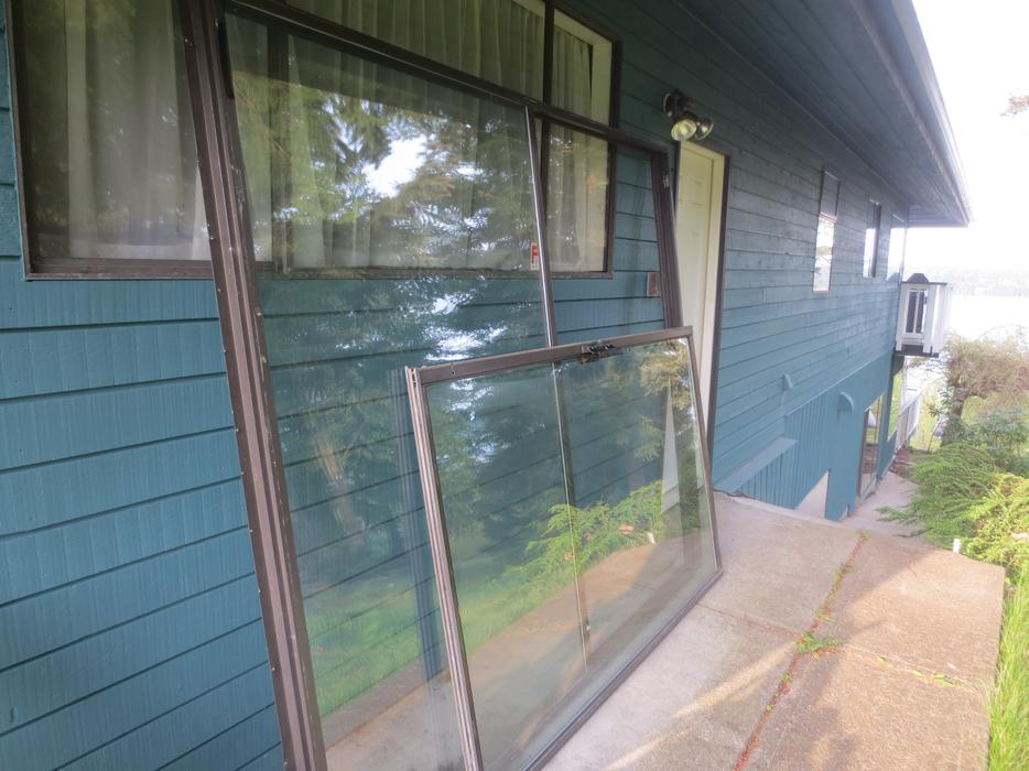 Free 8 ft sliding glass door campbell river comox valley for 8 foot sliding glass door