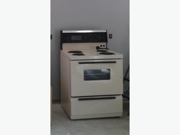 almond electric stove central nanaimo parksville qualicum