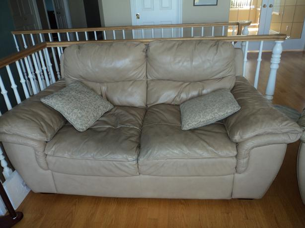 Free Well Loved Leather Furniture North Nanaimo