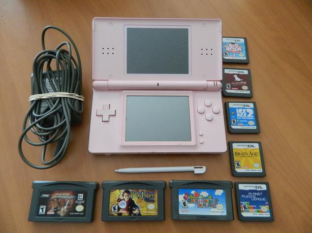 pink nintendo ds lite and games south nanaimo nanaimo. Black Bedroom Furniture Sets. Home Design Ideas