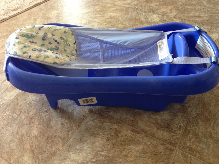 free baby bath tub south regina regina. Black Bedroom Furniture Sets. Home Design Ideas