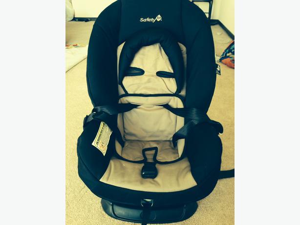 amazing deal selling 3 month old car seat for half price 40 central regina regina. Black Bedroom Furniture Sets. Home Design Ideas