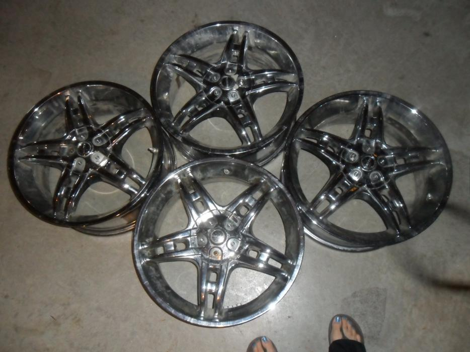 Used Tires Winnipeg >> 17 inch Chrome Rims For Sale Other South Saskatchewan Location, Regina - MOBILE
