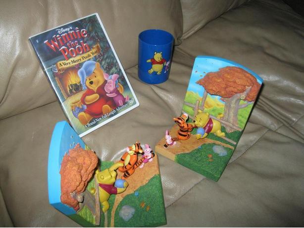 DISNEY Winnie the Pooh lot