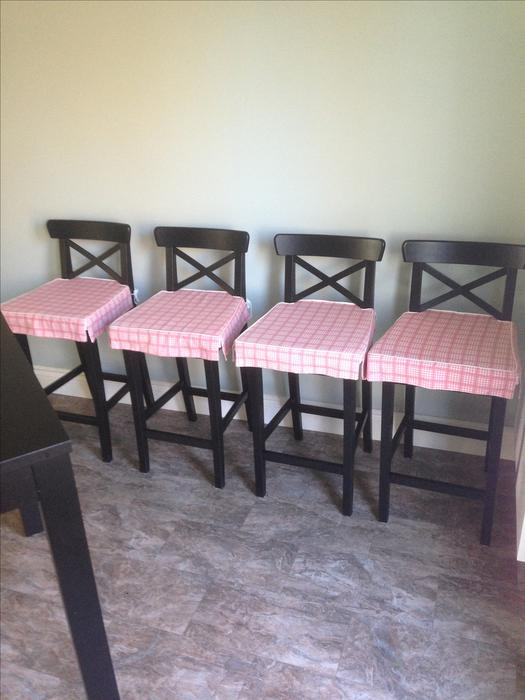 IKEA Bar style dining table and chairs Table et chaises  : 46242871934 from www.usedottawa.com size 525 x 700 jpeg 45kB