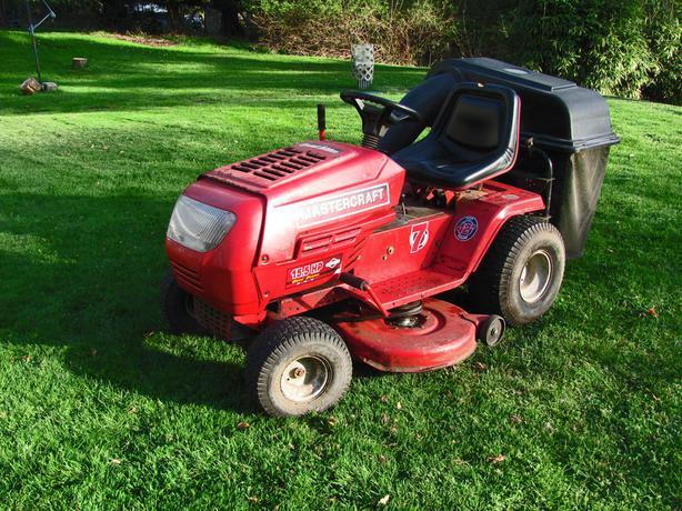 Ride On Lawn Tractor Mower By Mastercraft With 15 5 Hp And