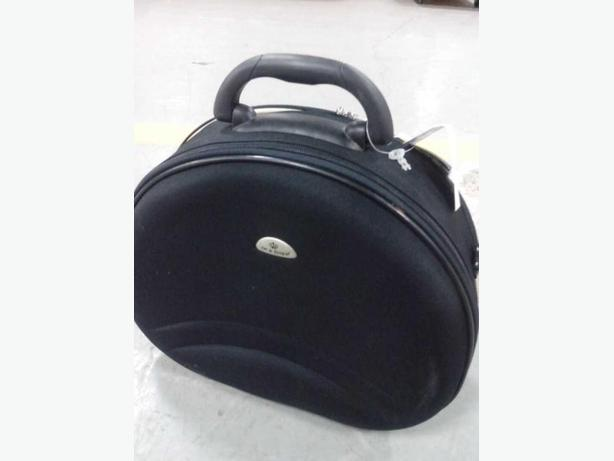 VANITY/MAKE-OVER BAGS BLACK COLOUR