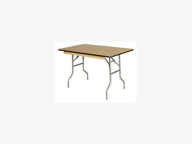 USED FOLDING TABLES - WOOD TOP, METALLIC LEGS, 5' CIRCULAR, 8' R