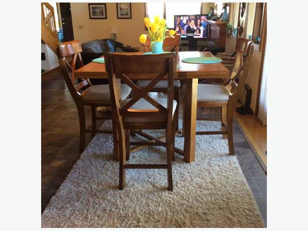 Pub style dining set with 6 chairs courtenay campbell river for Pub style dining sets