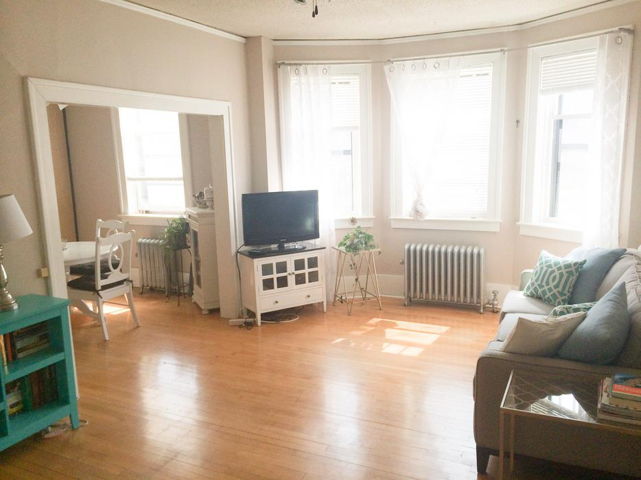 large one bedroom apartment for rent central regina