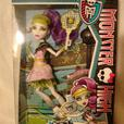 Monster High Ghoul Sports Spectra Vondergeist Doll BNIB