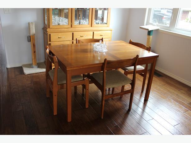 Dining Room Table Comox Comox Valley : 46307410614 from www.usedcomoxvalley.com size 614 x 461 jpeg 37kB