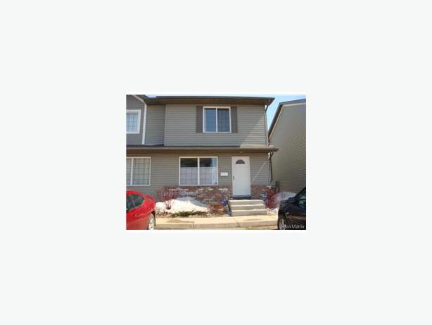 2 storey 3 bedroom townhouse condo for rent north regina regina Master bedroom for rent guelph