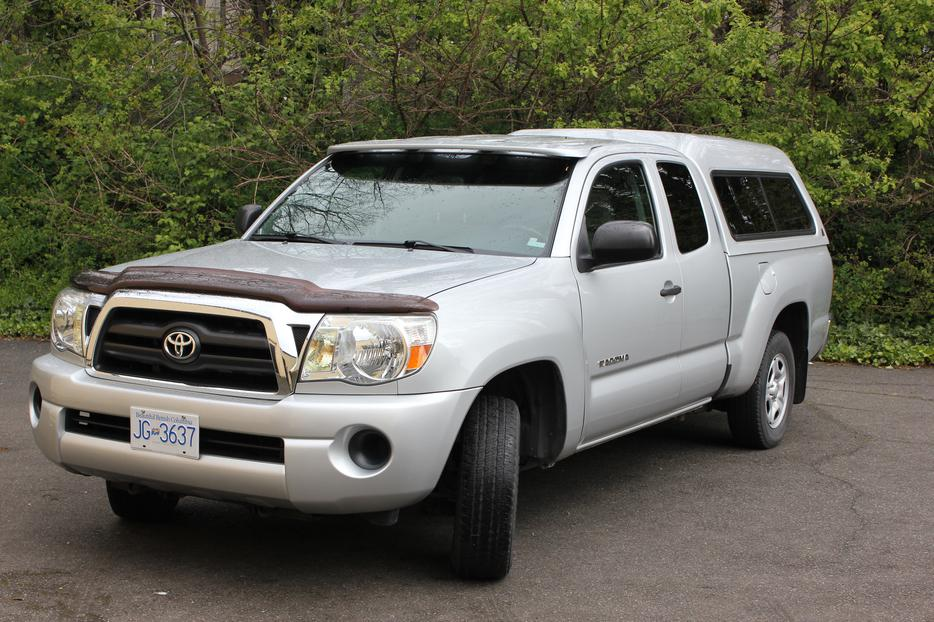 2007 4 cylinder toyota tacoma make an offer victoria city victoria mobile. Black Bedroom Furniture Sets. Home Design Ideas