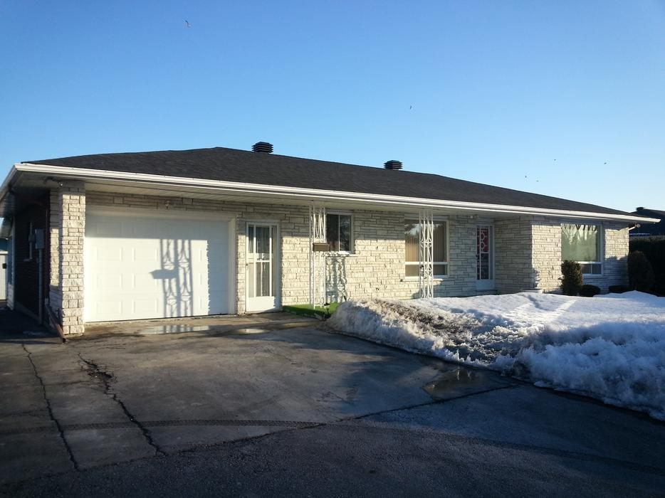 Spacious 2 bedroom home with basement for rent orleans for 100 taunton terrace oshawa