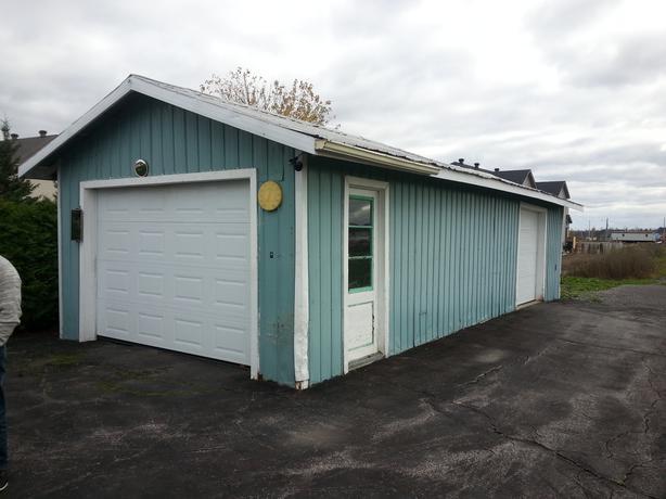Detached garage for rent orleans ottawa for Big garage for rent