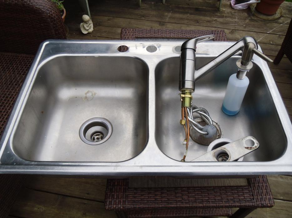 Double Kitchen Sink And Faucet Saanich Victoria Mobile