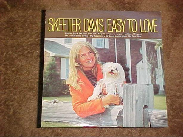 SKEETER DAVIS EASY TO LOVE VINYL LP