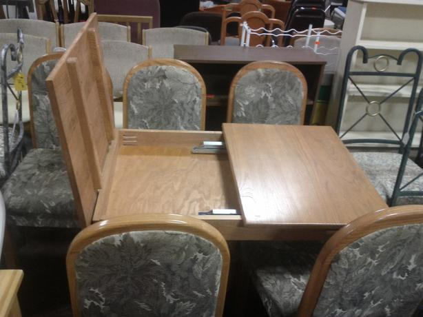 Rv Table And 5 Chairs Ladysmith Cowichan Mobile