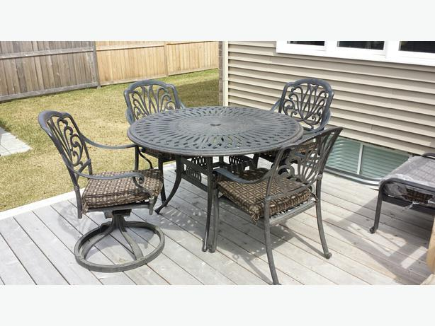 Outdoor patio set gloucester ottawa for Outdoor furniture ottawa