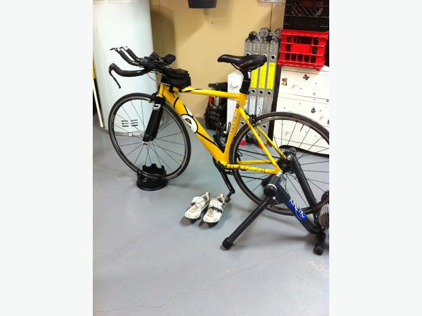 log in needed 950 cervelo p2 road bike and indoor trainer
