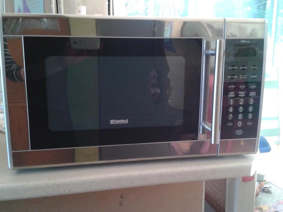 Countertop Kenmore Microwave : Kenmore Stainless Steel microwave. North Nanaimo, Nanaimo - MOBILE