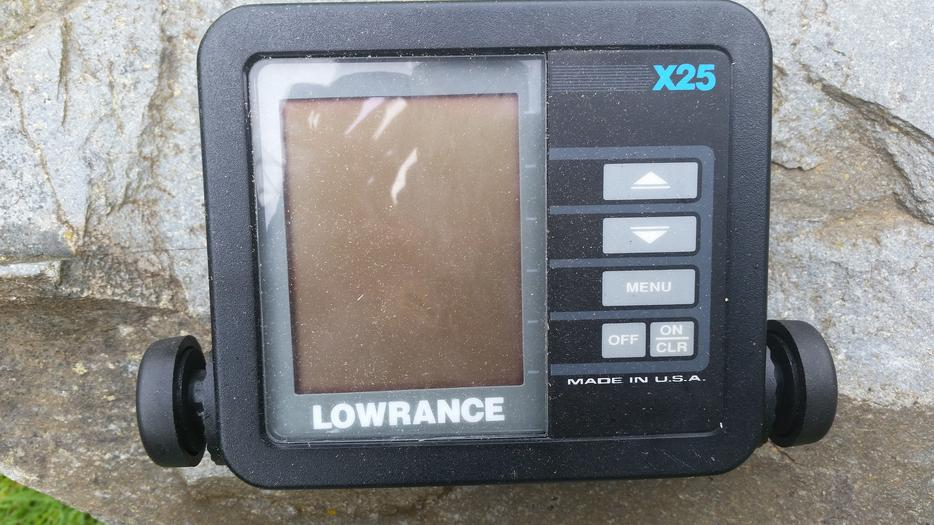Fish finder lowrance outside nanaimo parksville for Used fish finders
